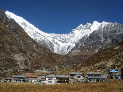 Caminando El Trekking De Langtang-Goisakund Por Libre.